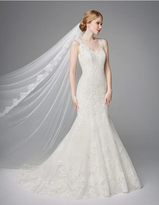 Roberta fishtail wedding dress front Anna Sorrano