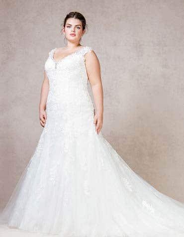 Roslyn fishtail wedding dress front Bellami th
