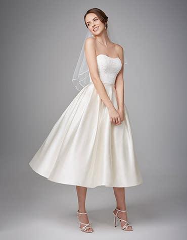 SASKIA - Een zweverige korte jurk.