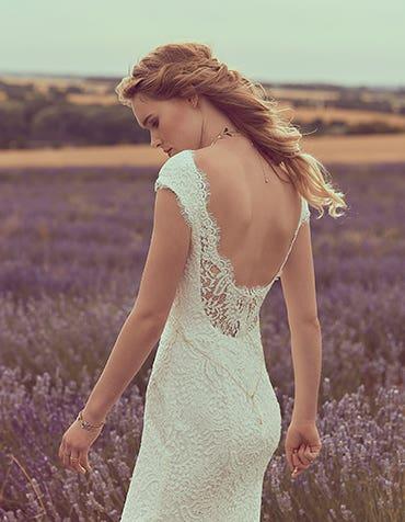 SUMMER - Een zachte kanten sheath jurk