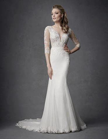 TAYLA - a mesmerising sheath gown