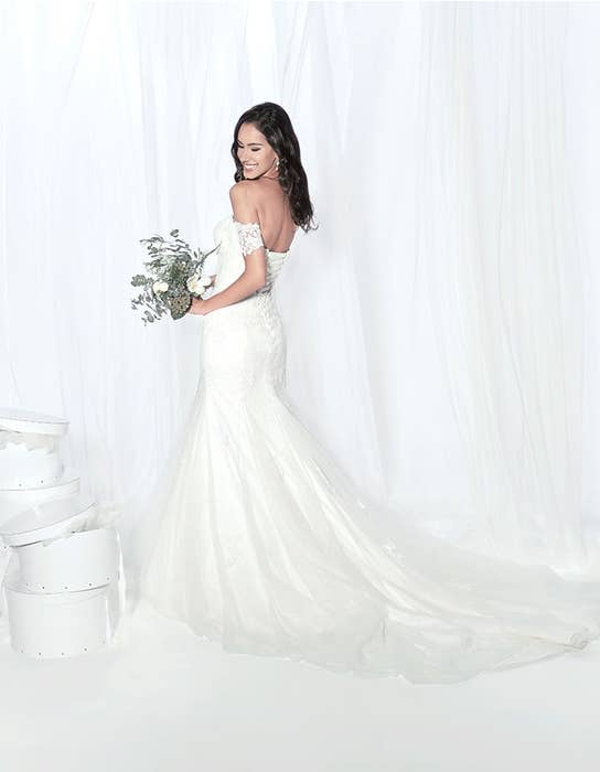 Winslet fishtail wedding dress edit Anna Sorrano