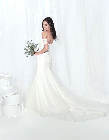 Winslet fishtail wedding dress edit Anna Sorrano th