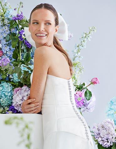 Annette - a sculpting wedding gown