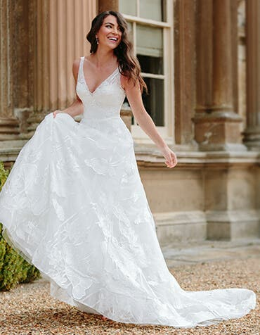 Aster - a dreamy v-neck wedding gown