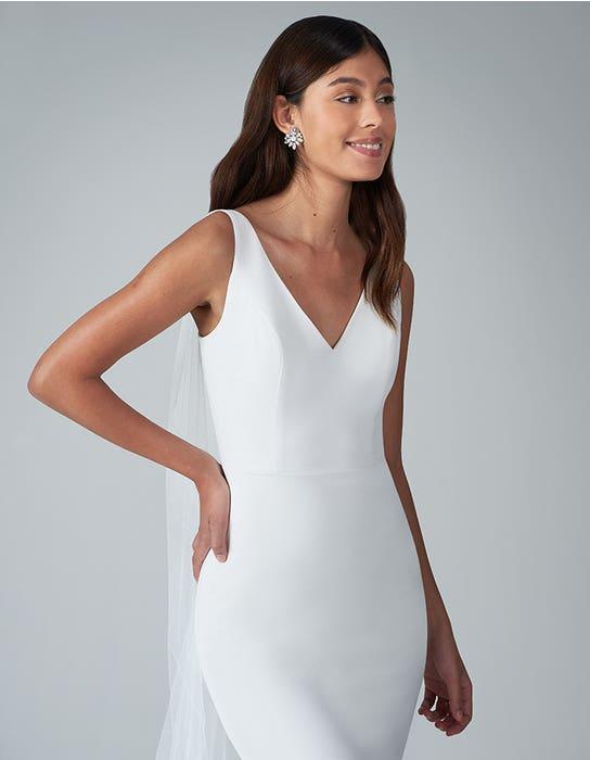 bekkie_sheath wedding dress front crop anna sorrano