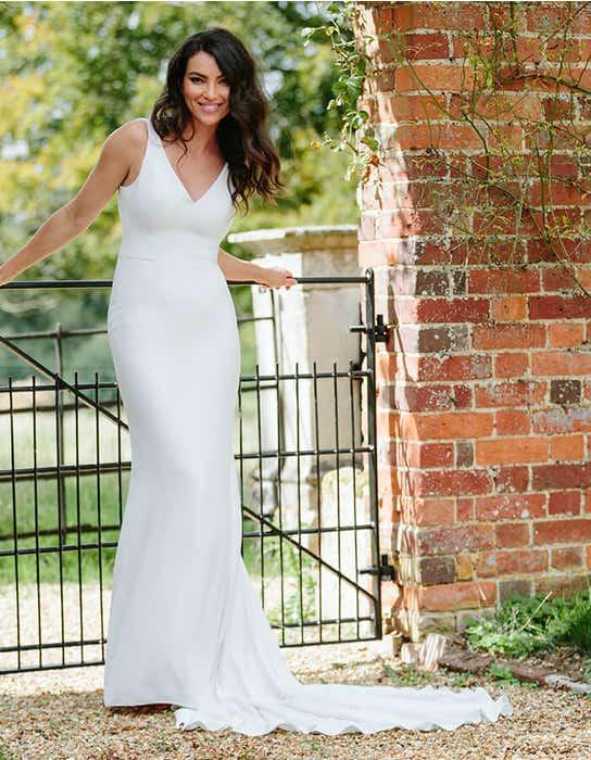 bekkie sheath wedding dress front edit anna sorrano