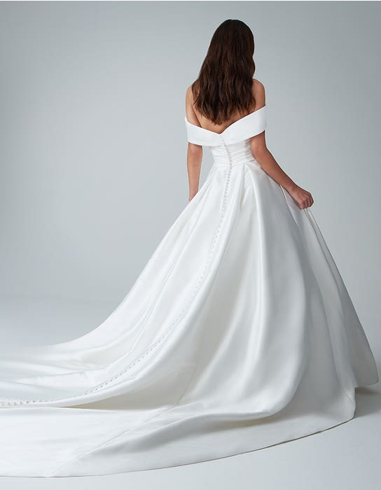 cambridge ballgown wedding dress back anna sorrano
