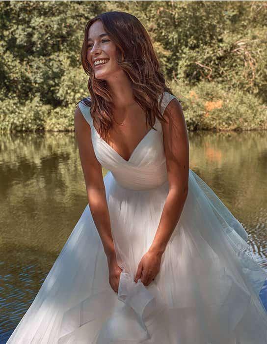 elise princess wedding dress back crop edit anna sorrano