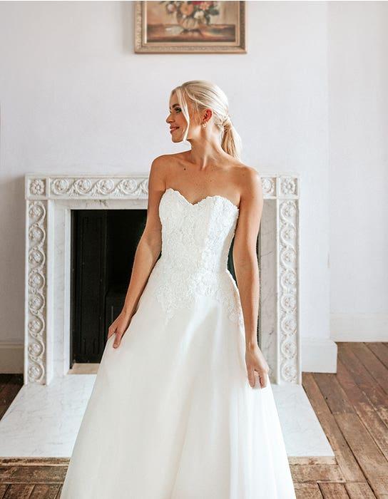 elizavettea aline wedding dress front crop edit viva bride