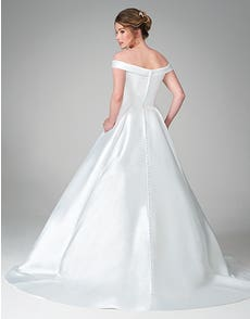 Florian - an elegant mikado gown with pockets