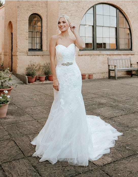 hattie fishtail wedding dress front edit anna sorrano