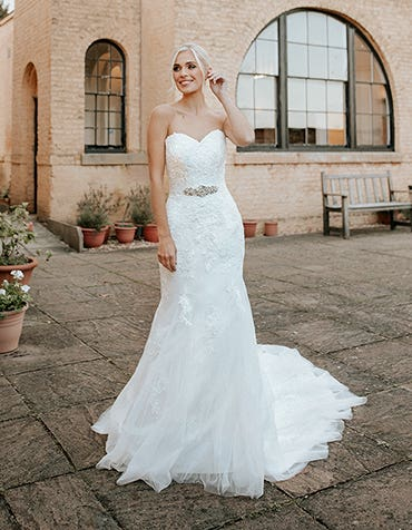 hattie fishtail wedding dress front edit anna sorrano th