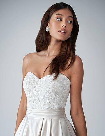 Helene - a classic ballgown