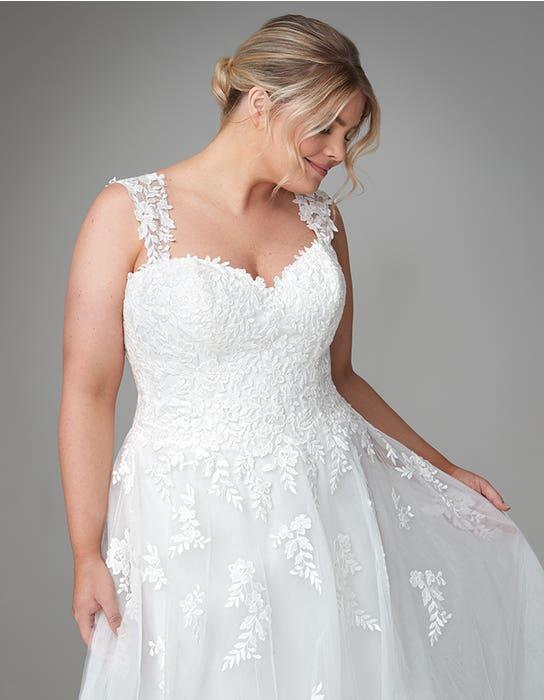jaela aline wedding dress front  crop anna sorrano