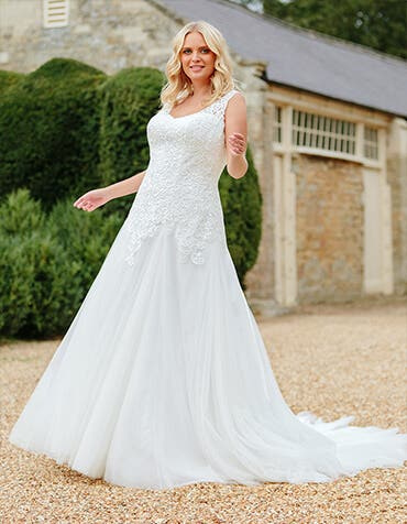 jennifer fit and flare wedding dress front edit anna sorrano th