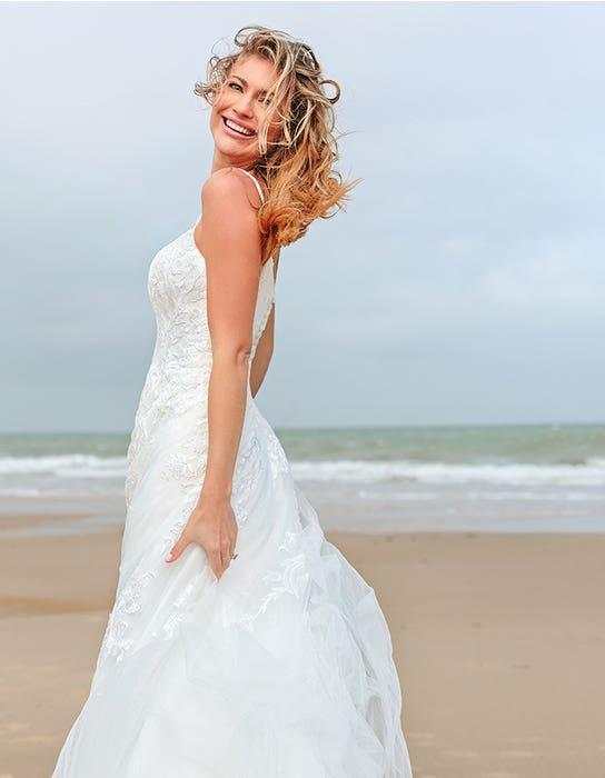 Kaur - een boho jurk met moderne halslijn | WED2B