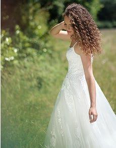 Kaur - een boho jurk met moderne halslijn