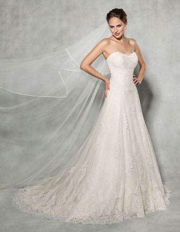 LAUREL - with a strapless sweetheart neckline
