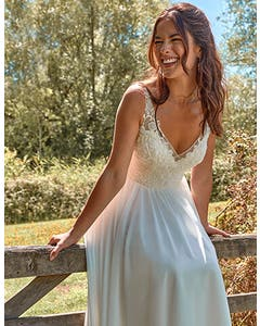 Lilah - ein perlenbesetztes Bohemian-Kleid