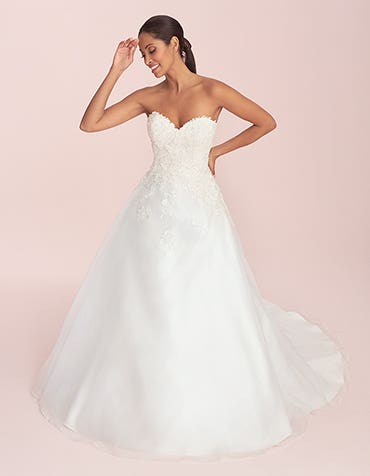 Lilian - a feminine organza wedding dress