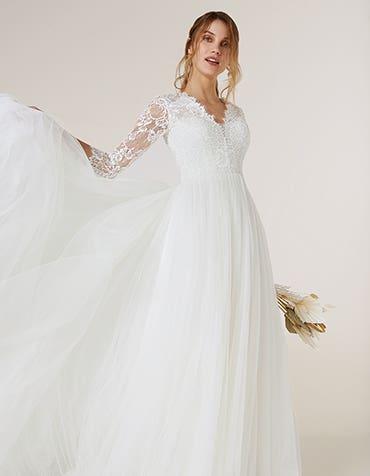 Maeva - une robe de bal bohème traditionnelle