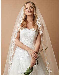 MAISIE - a traditional scalloped lace veil