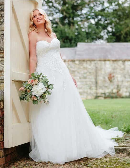 nina aline wedding dress front edit anna sorrano