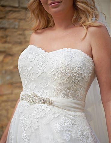 NOVA - une ceinture de mariage en tulle
