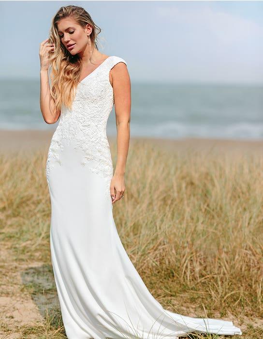orra sheath wedding dress front edit anna sorrano