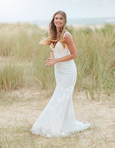 richmond sheath wedding dress front edit anna sorrano th