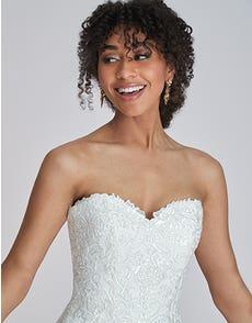Sacha - a timeless shimmering wedding dress