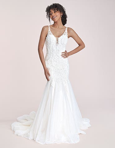 Santiago - a statement lace fishtail gown