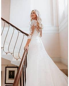 Sarah - une robe de mariée ajustée et évasée