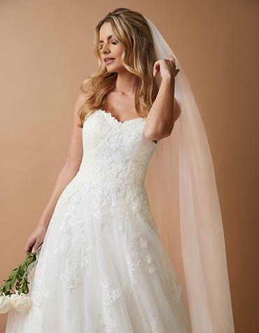 WILLA - Een klassieke bruidssluier