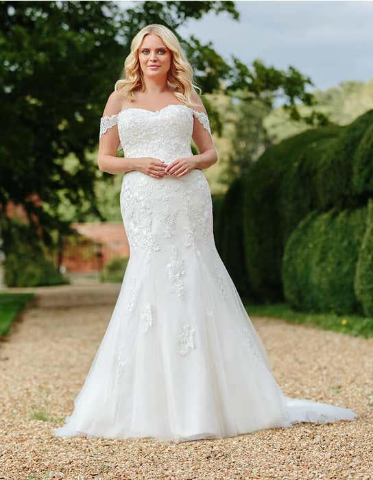 winona fishtail wedding dress front edit anna sorrano