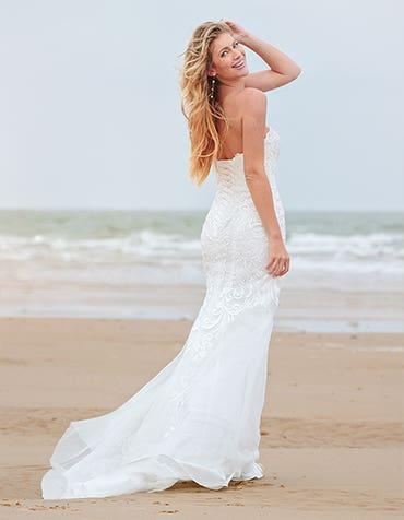 zelda fishtail wedding dress back2 edit anna sorrano th