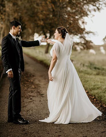 Real Weddings Liverpool: Jessica And Cameron's Rustic Cotswolds Wedding