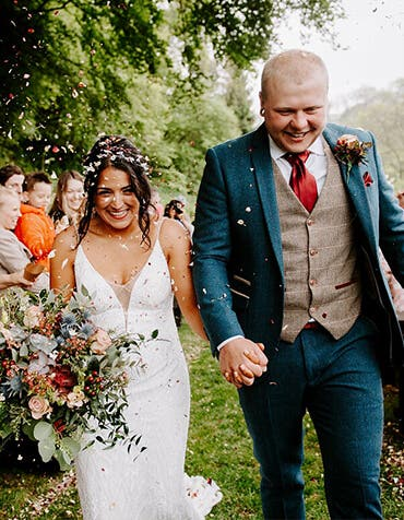 Real Weddings Southampton: Nichola and Sam's relaxed rustic wedding