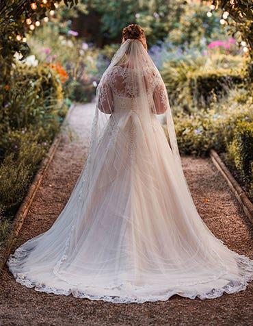 Real Weddings: Melanie And Allan's Fabulous Outside Wedding