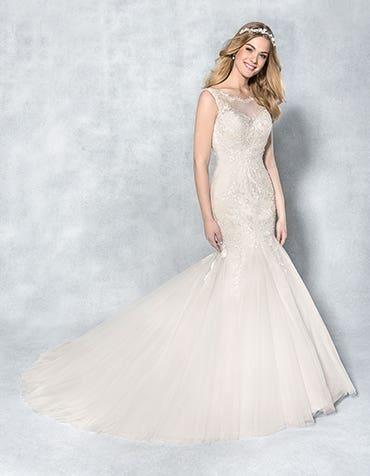 Stunning Wedding Dresses for Hourglass Figures