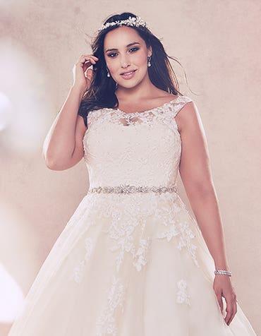 The Bellami Edit: Luscious lace wedding dresses