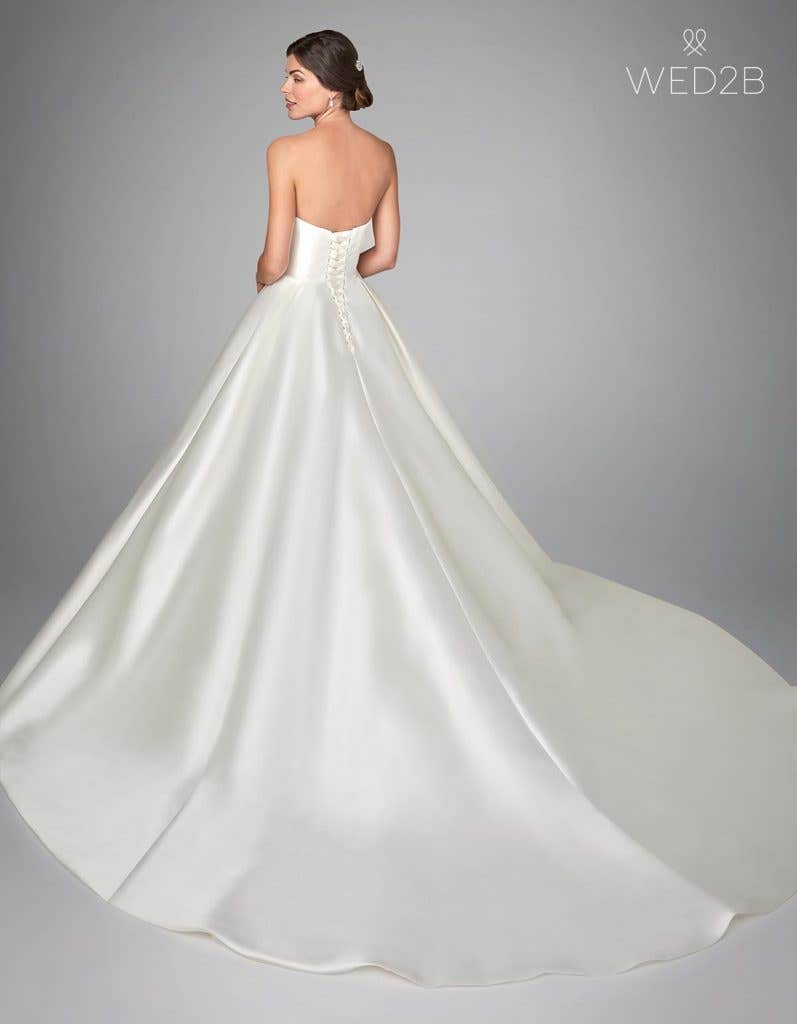 Back view of traditional wedding dress Jayne