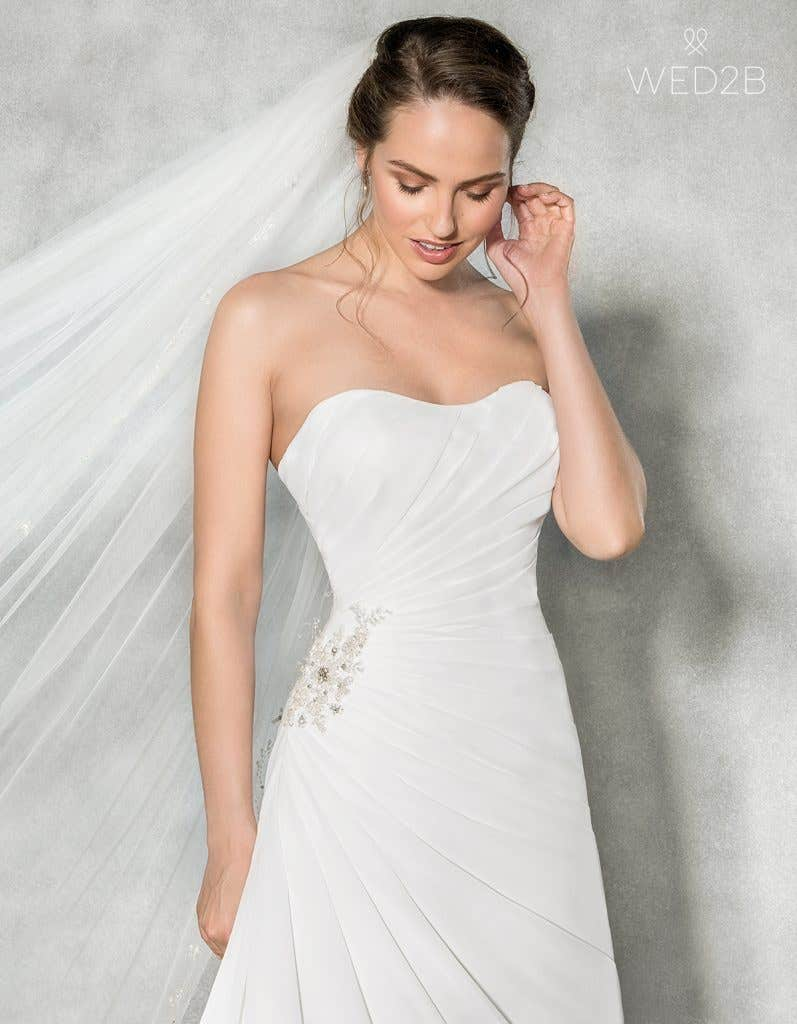 Close-up front view of sweetheart neckline dress Addison by Anna Sorrano