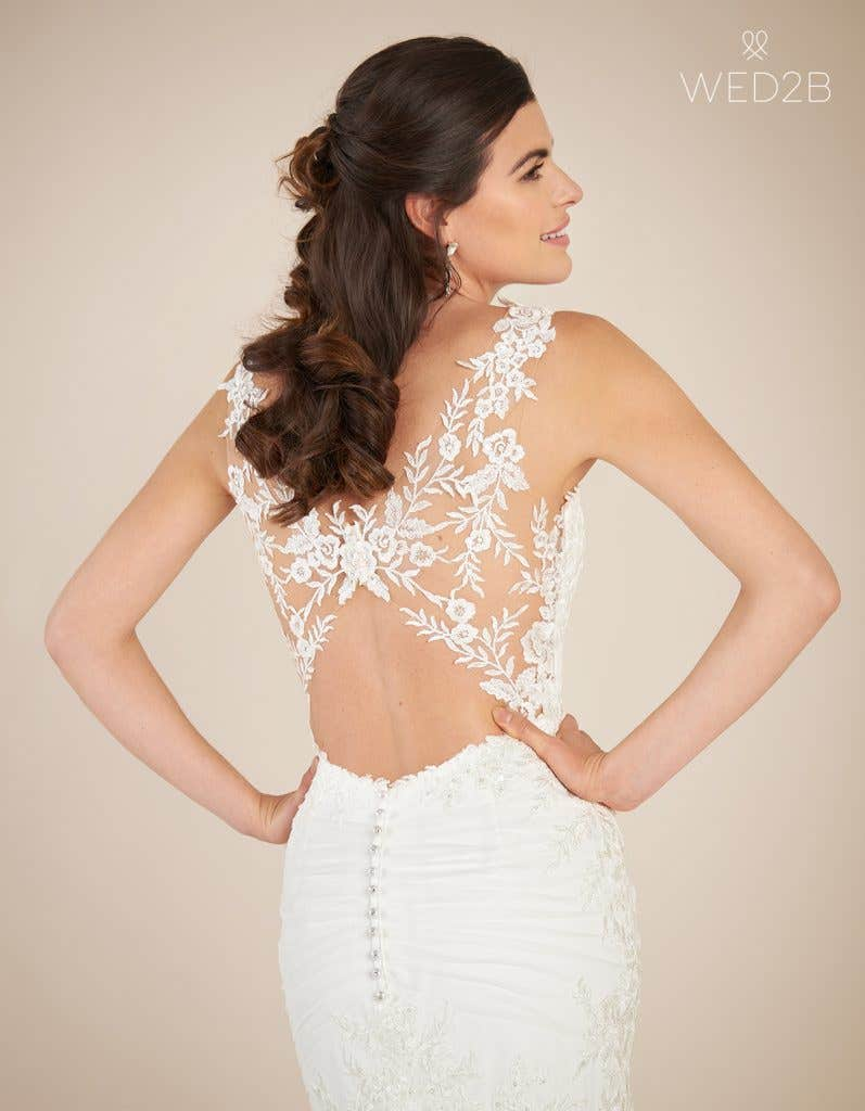 Close-up view of sweetheart neckline dress Marlow by Viva Bride