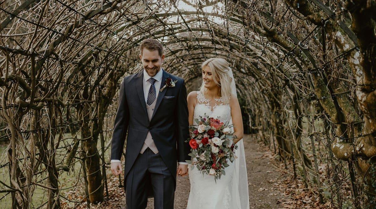 Real Weddings Bristol: Add some glitz with a gold wedding theme