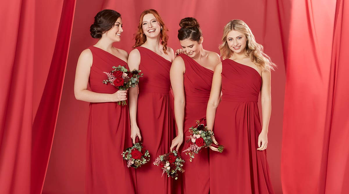 059b8df15c1 How to choose your bridesmaids dresses