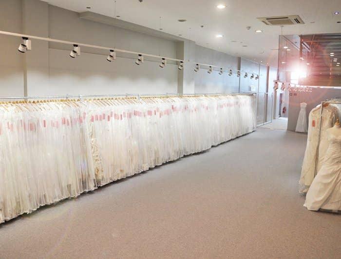 1000 Wedding Dresses