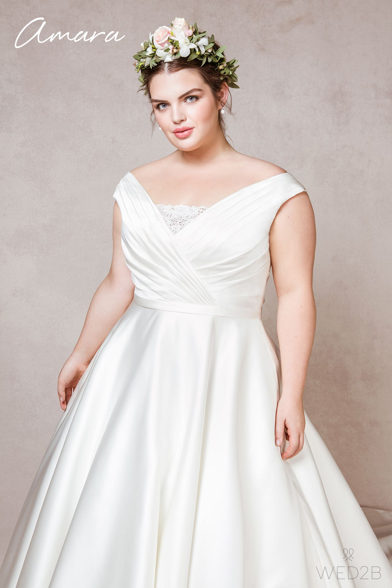 Amara plus size wedding dress