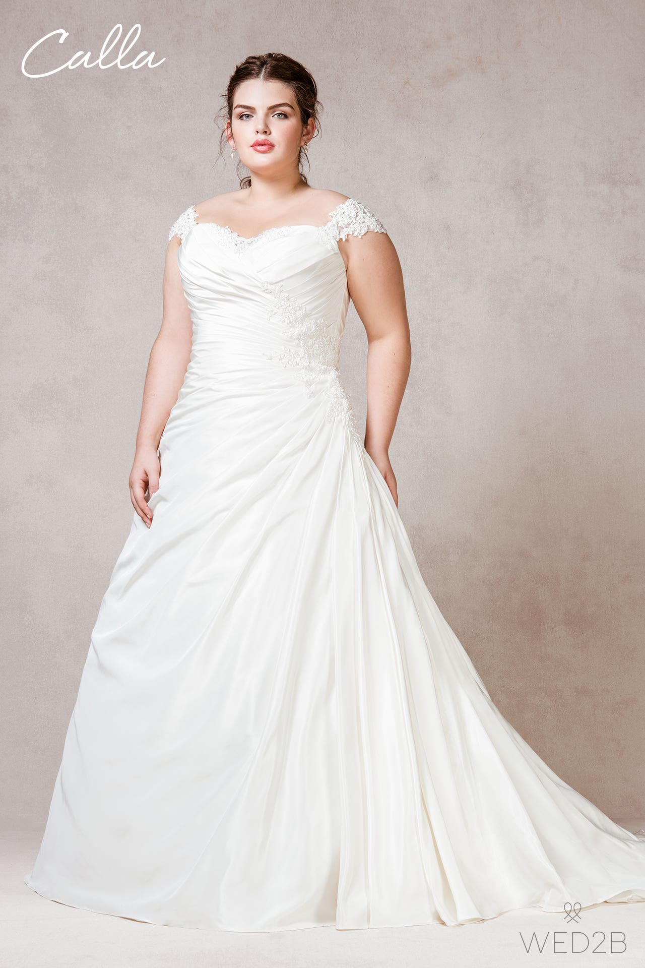 Calla plus size wedding dress